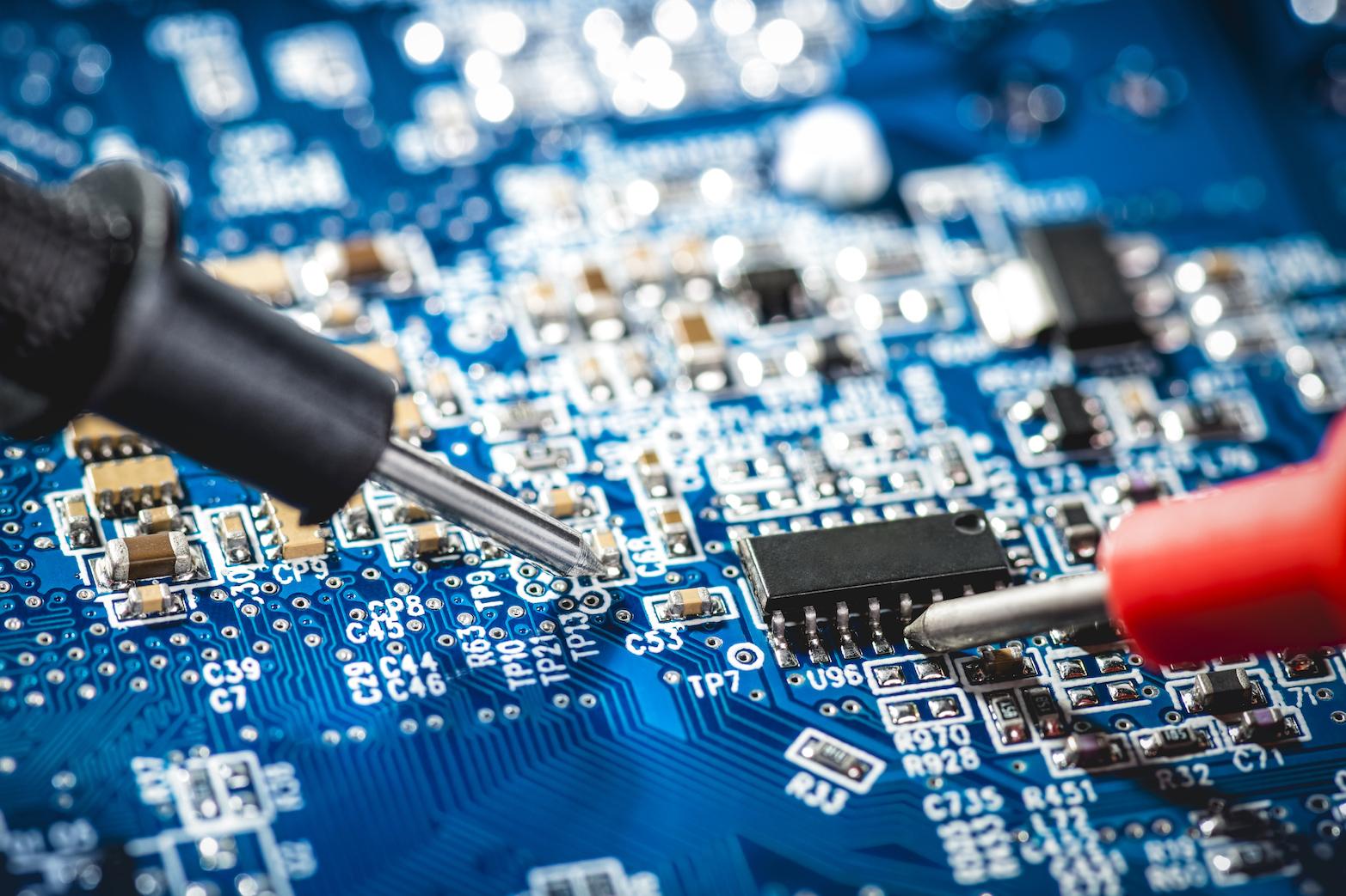 azienda-elettronica-hemargroup-programmazione-e-prototipi-1